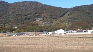 清瀧寺 田園から山の中腹