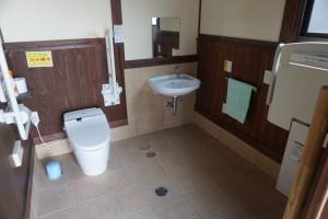 上大道お遍路休憩所 個室トイレ