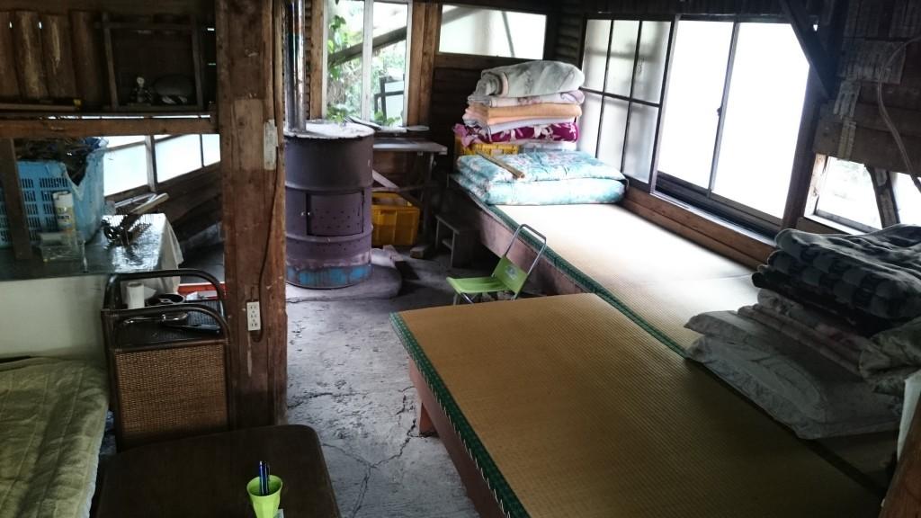 津呂 遍路小屋 畳 寝具