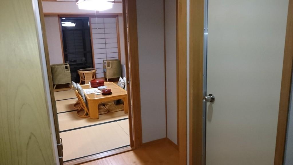 ホテルベルリーフ大月 客室 玄関