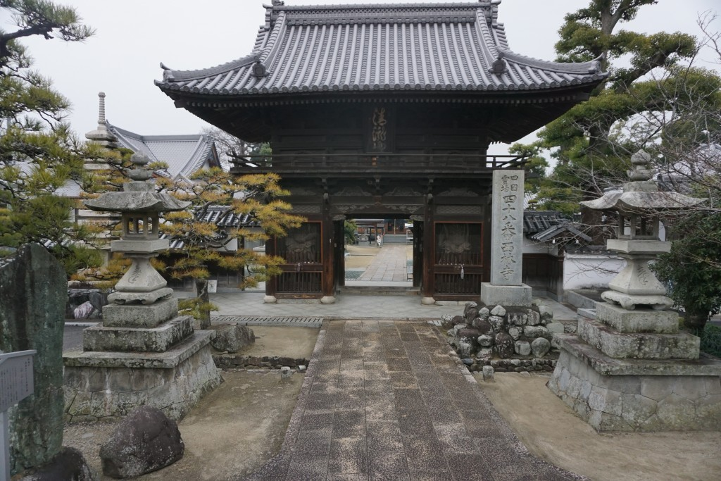西林寺 山門