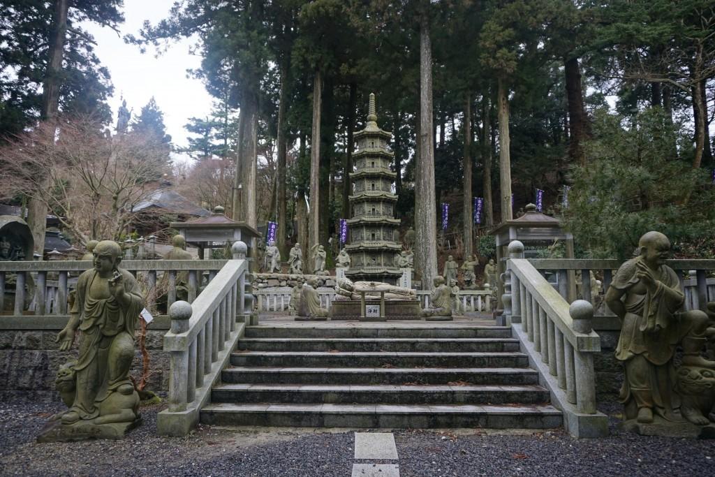 雲辺寺 五百羅漢 涅槃釈迦像 毘沙門天立像