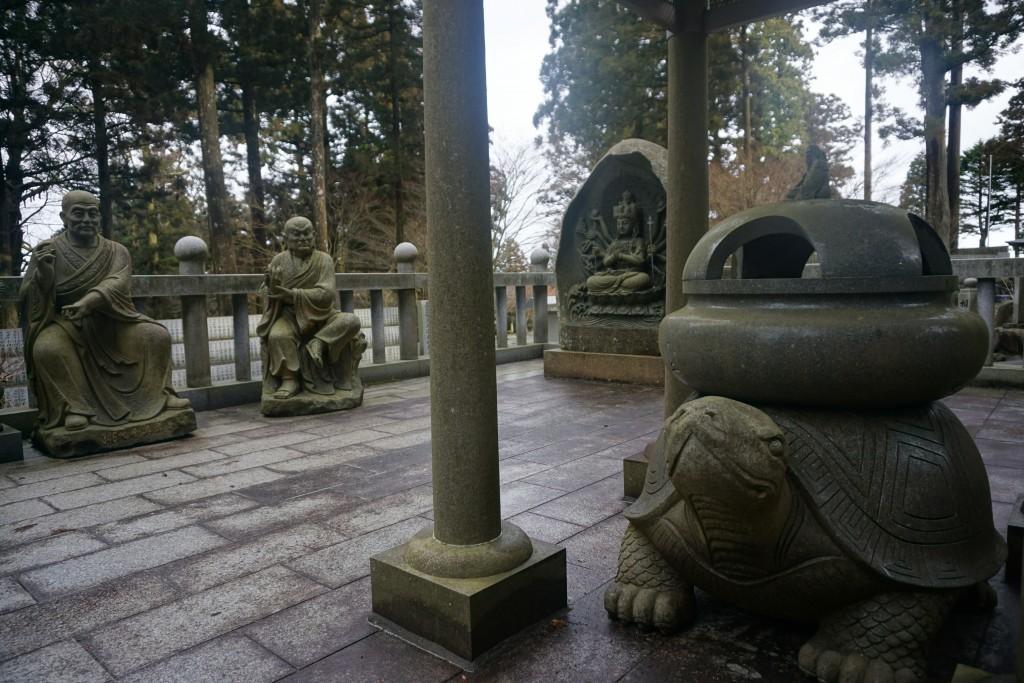 雲辺寺 巨亀石像