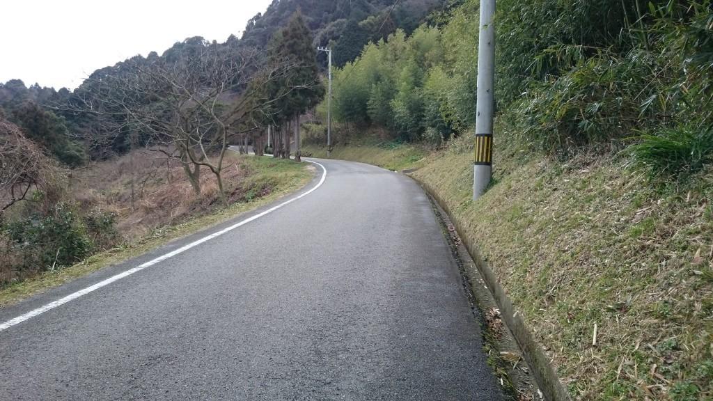仙遊寺 登山舗装路