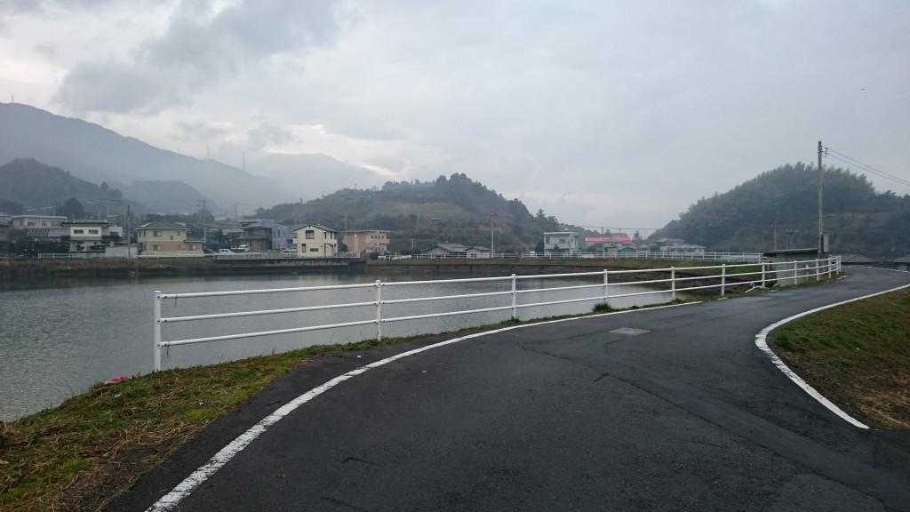 三島川之江IC 黒波瀬池