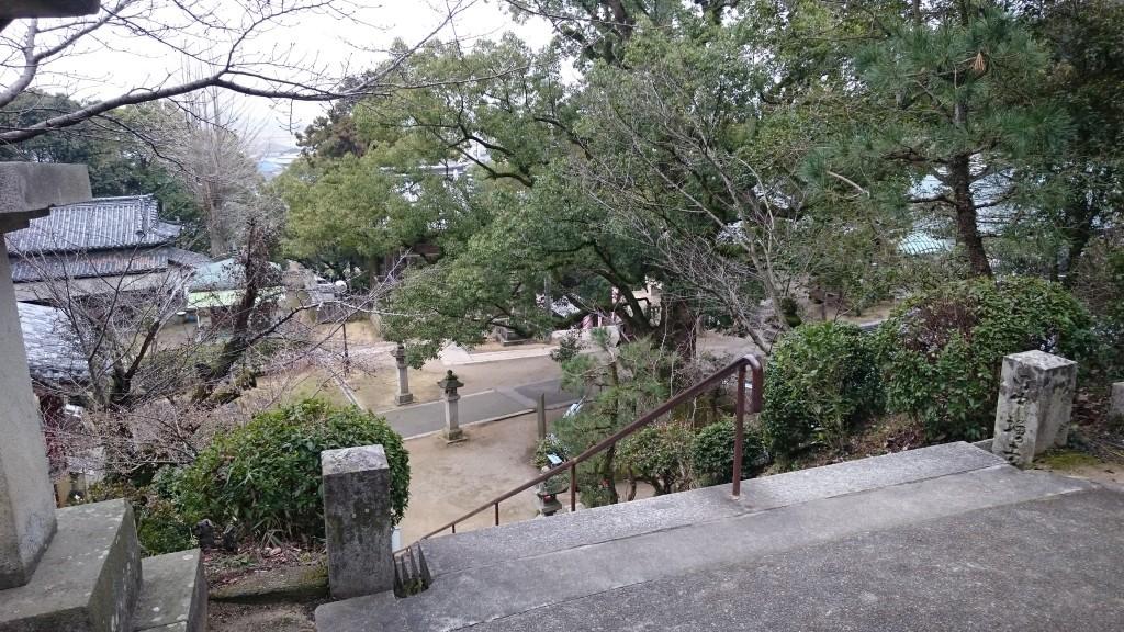 神恵院 琴弾山上から階段