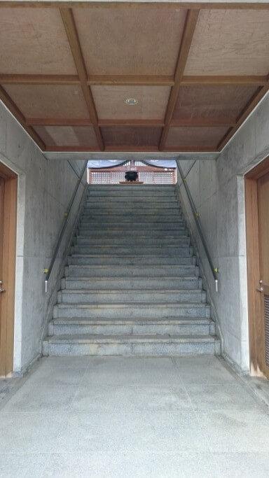神恵院 本堂 内部 階段