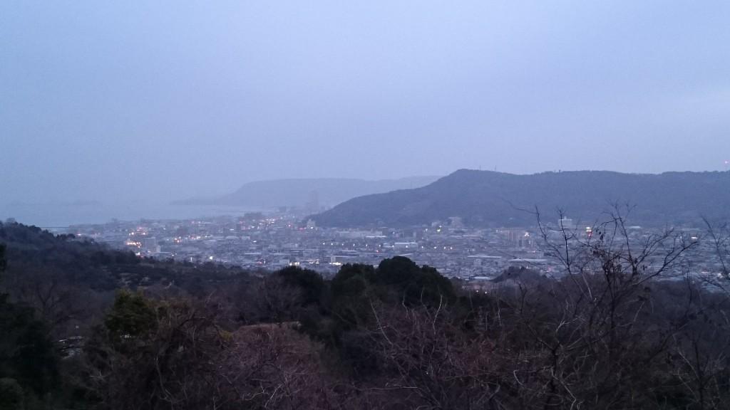 根香寺からの山下り道 ふもと鬼無の景色