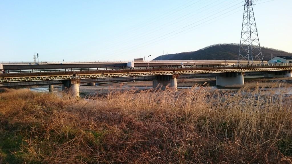 香東川 河川敷 橋