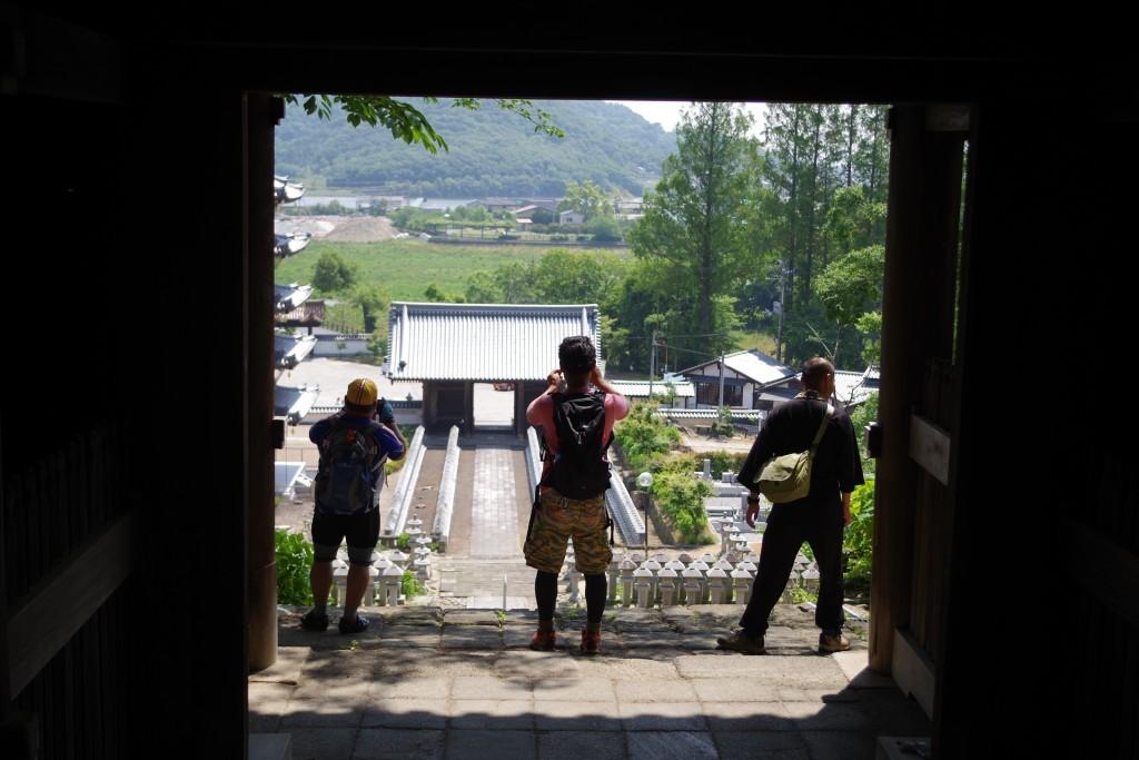 クラウズサイクリング 法然寺階段景色