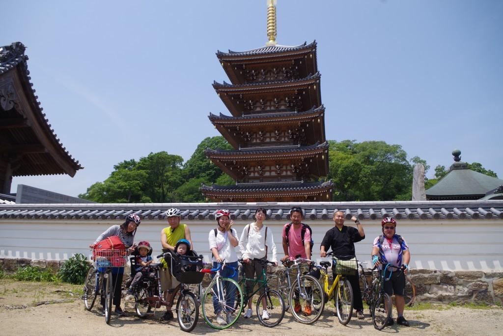 クラウズサイクリング 法然寺記念写真