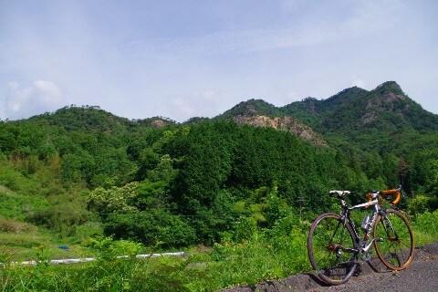 大窪寺への自転車旅 山の景色