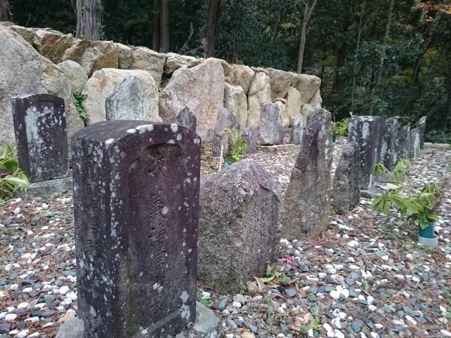 国道377号沿い墓地 遍路墓拡大