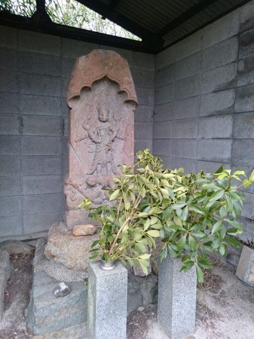 大窪寺近くの庚申塔