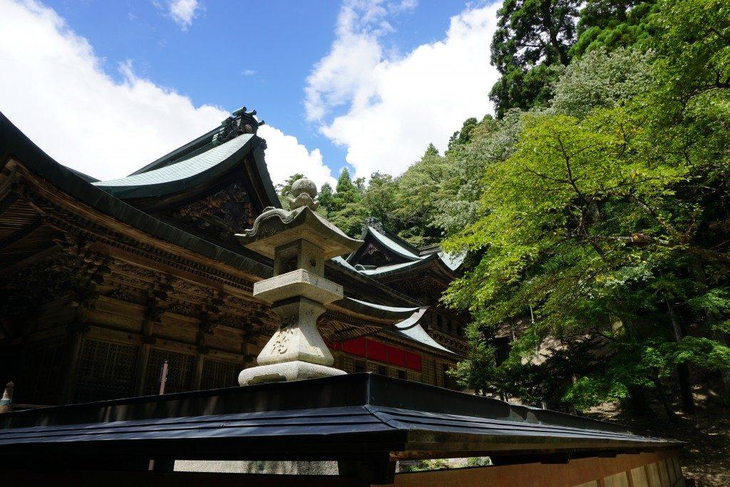 箸蔵寺 本殿 側面三層