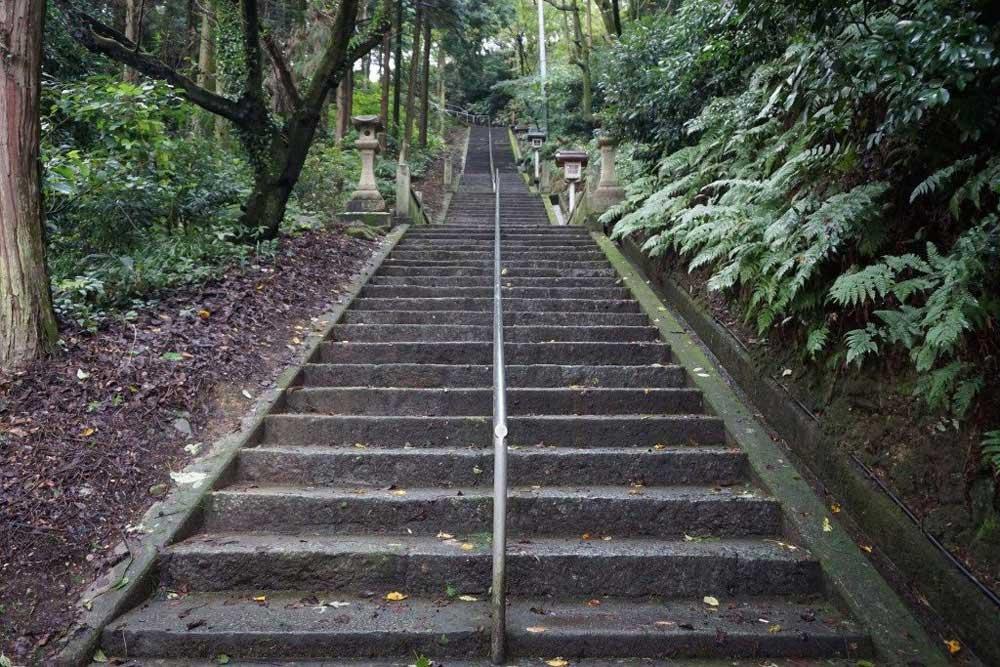 福岡八幡宮 参道 石段