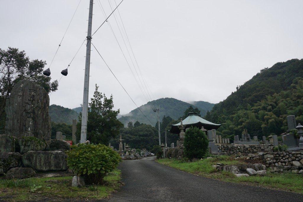 西山興隆寺 参道