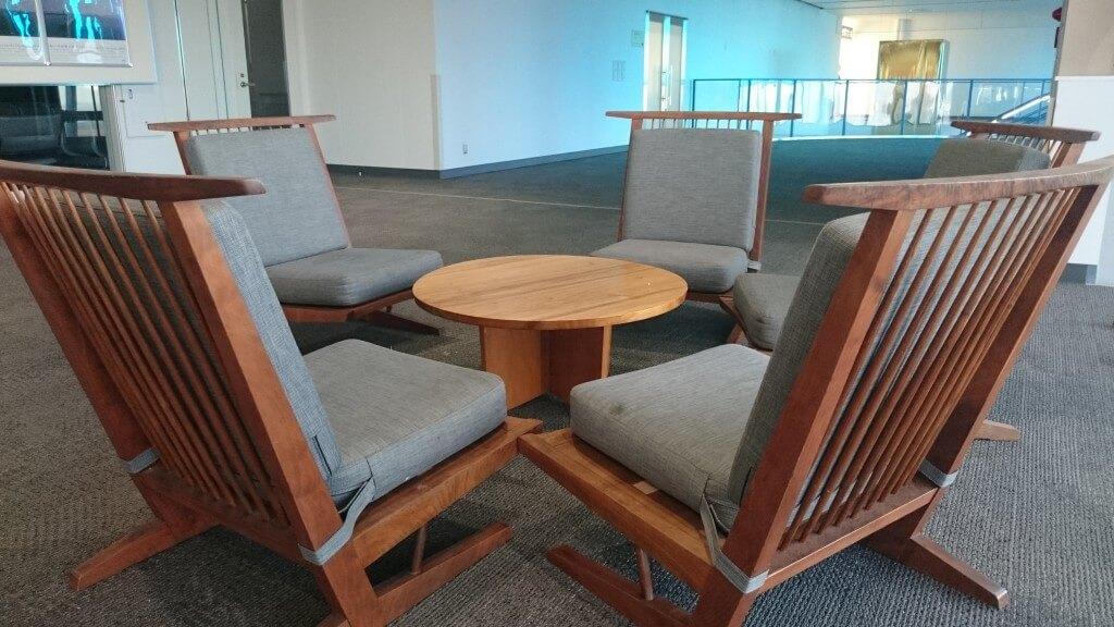 高松空港 ジョージナカシマ 椅子