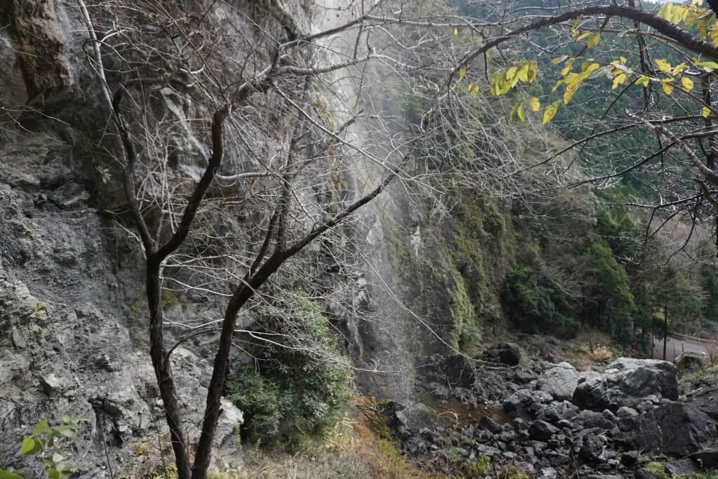 灌頂ヶ瀧 不動明王から見る滝壺