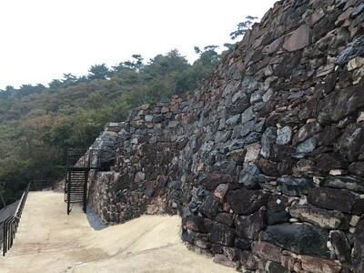 屋嶋城 石垣