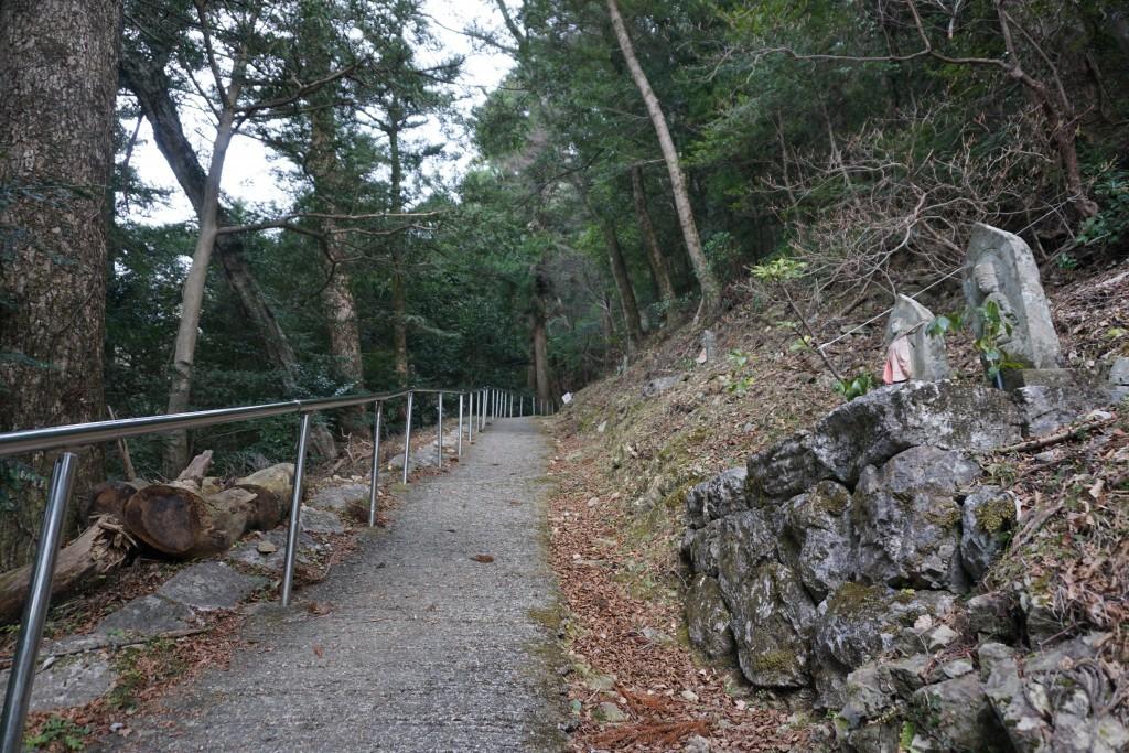 慈眼寺 本堂への道 ミニ霊場