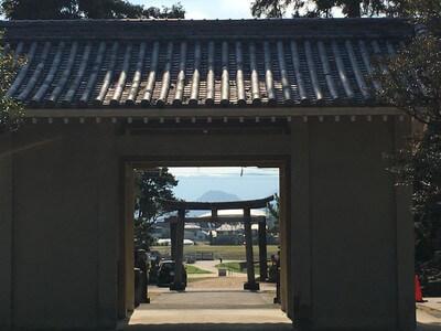 天野八幡神社 正面方向 嶽山