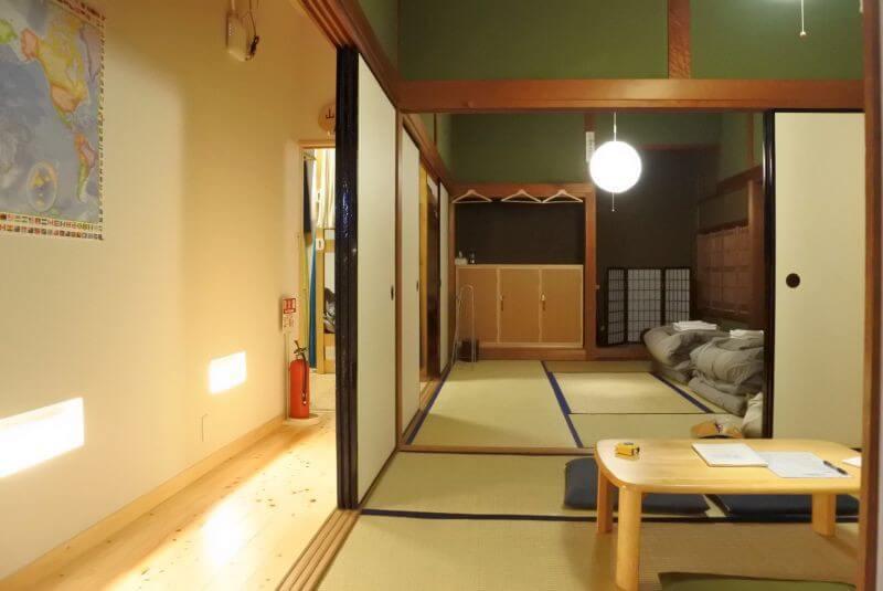 ゲストハウス40010 リビングと和寝室