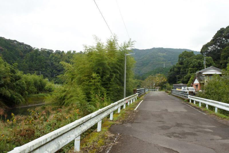 伊与木川 コンクリート橋