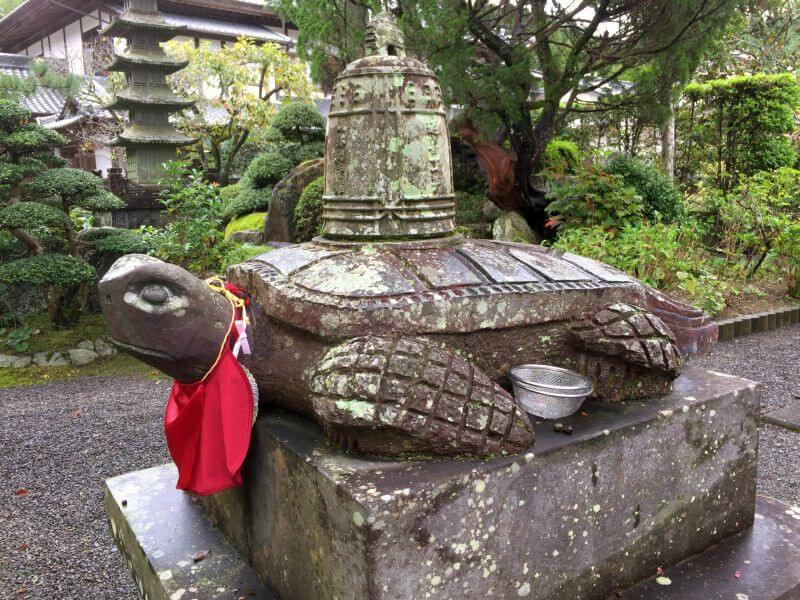 延光寺 銅鐘を背負う亀
