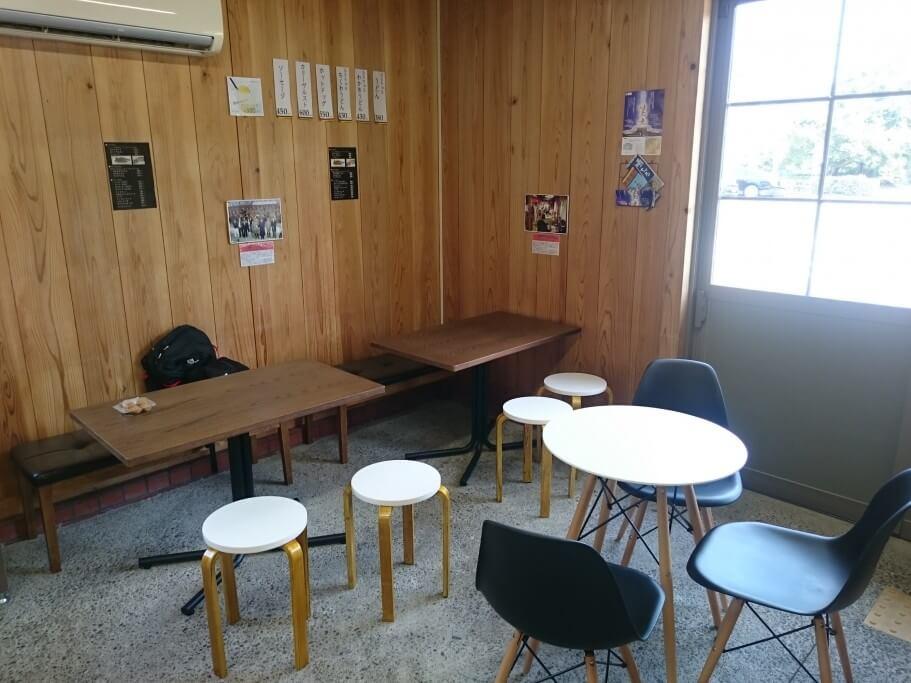 道の駅第九の里 軽食所 テーブル
