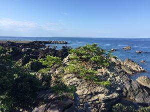 行道不動不動岩から見る海