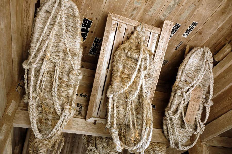 箸蔵寺 仁王門 草鞋