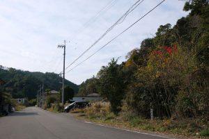 古目番所跡先 古目峠へ向かう道