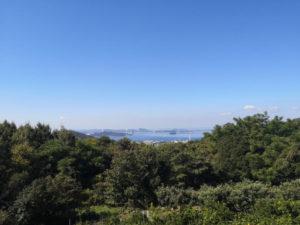 白峰寺道中に見える瀬戸内海