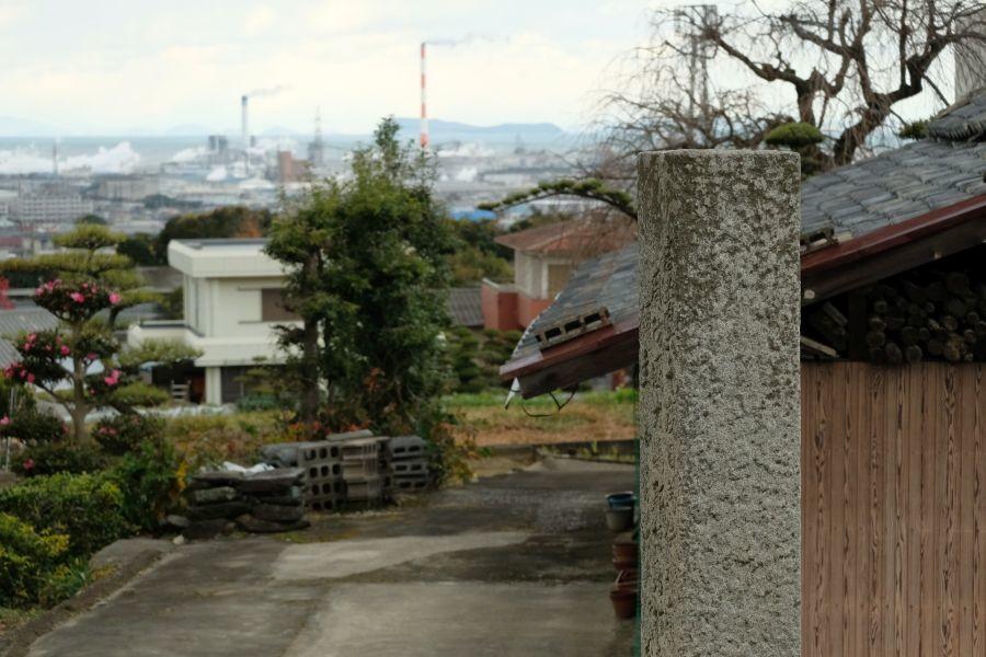 四国中央市の東京神田区施主による標石 製紙工場群
