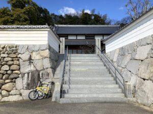 泰山寺と自転車