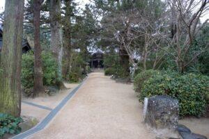 46番浄瑠璃寺本堂前